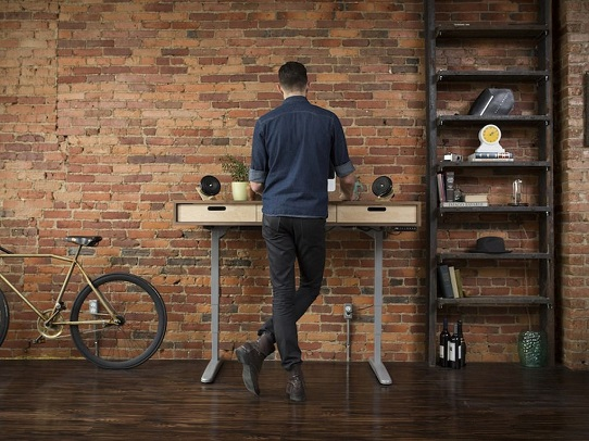 enhance-your-focus-and-creativity-by-using-a-standup-desk