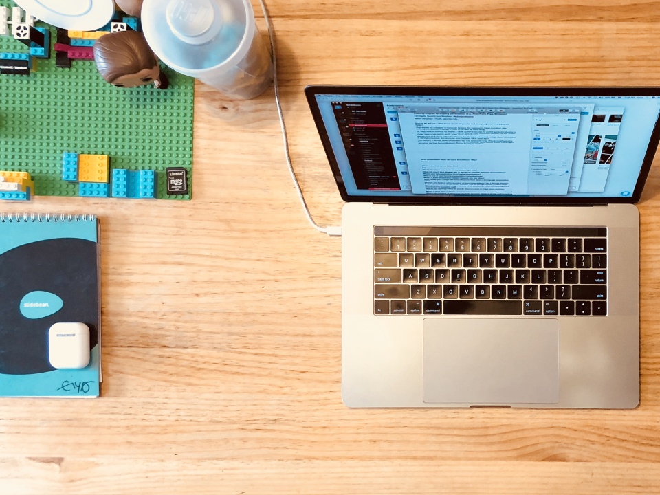 I'm Caya, CEO of Slidebean, and This is How I Work - my workspace